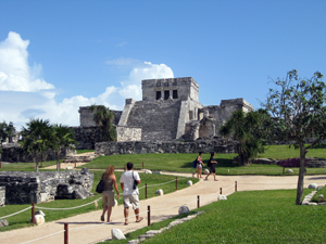 El Castillo (The Castle), the largest structure of Tulum