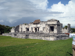 The Palace - the largest residential building in Tulum which was inhabited by the upper echelons (nobles, spiritual leaders) of Maya society.